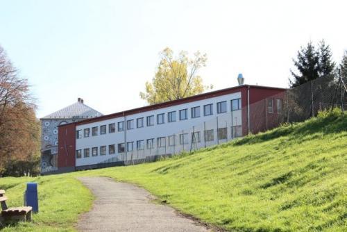 Opravená budova Základní školy  1